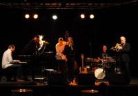Stars : Mette Juul, Nikolaj Hess, Alex Riel, Jesper Riis and Morten Ramsbøl.
